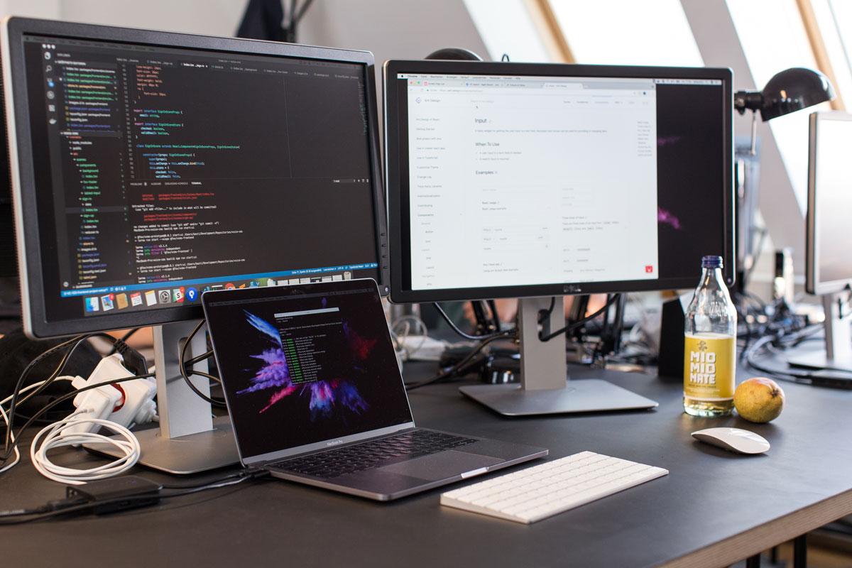 Schreibtisch Future of Voice